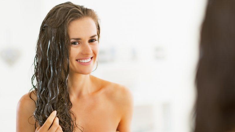 6 μυστικά για λαμπερά και πλούσια μαλλιά